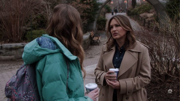 Mariska Hargitay with an Anthora coffee cup on the TV show Law & Order: SVU
